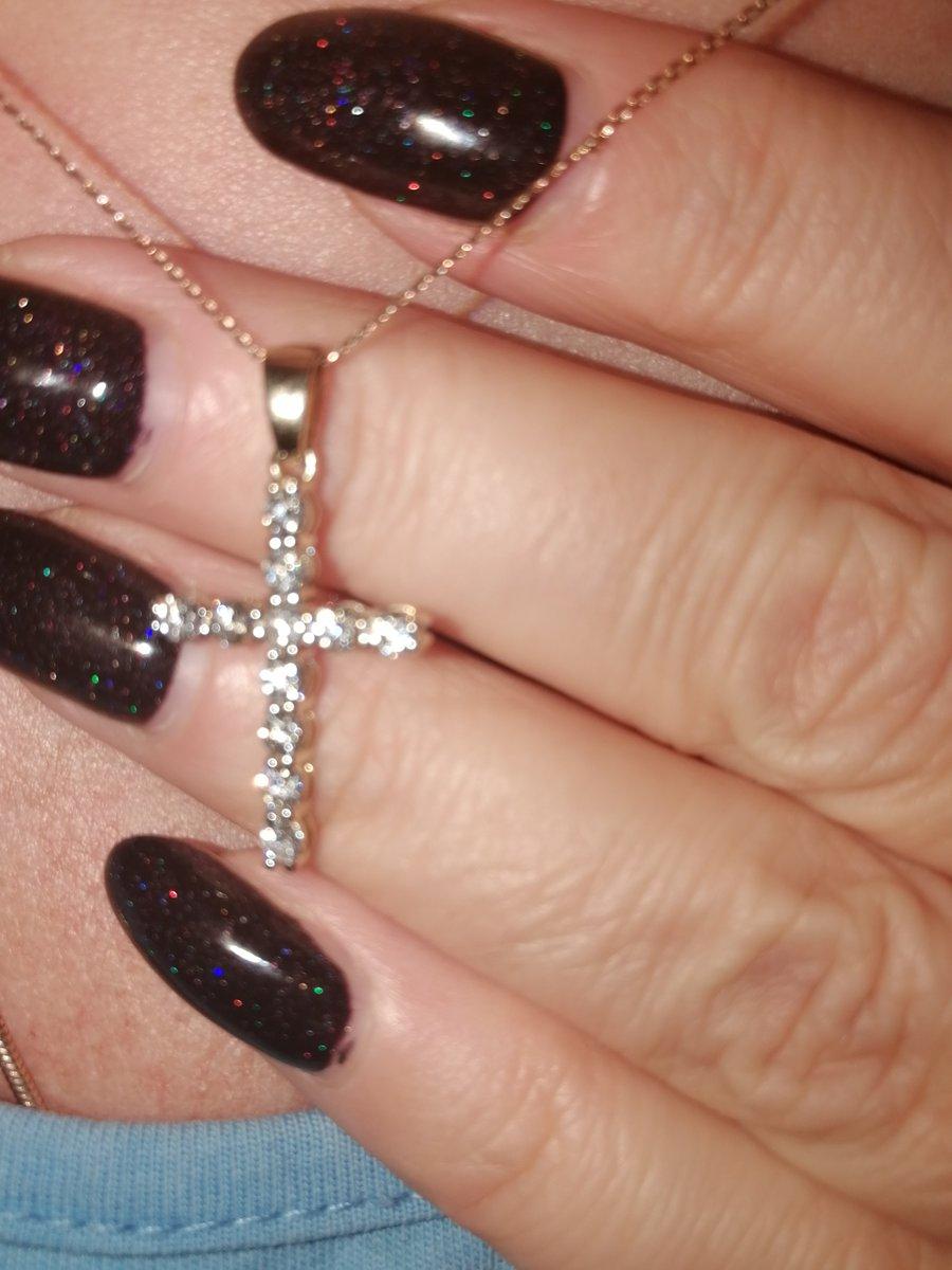 Крестик с 11 бриллиантами