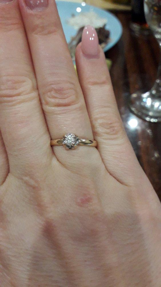 Красивое кольцо, аккуратное, нежное