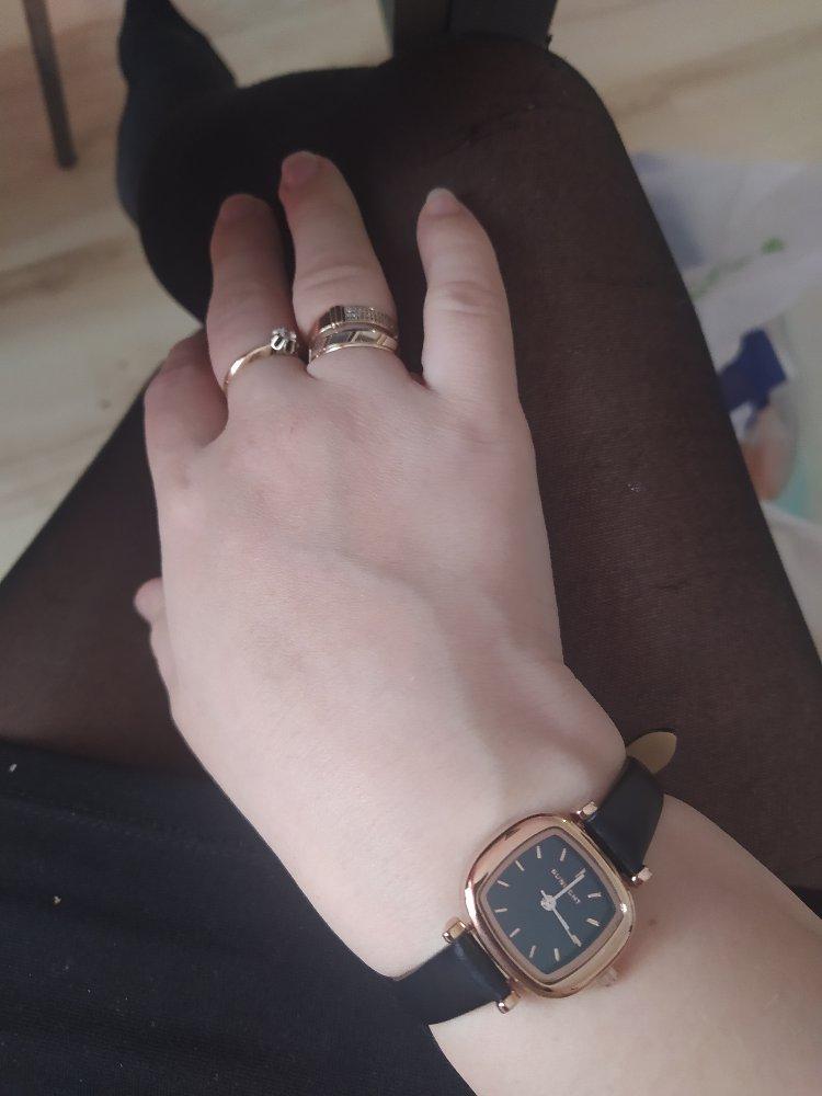 Акуратные часы  ,классно смотрятьсят