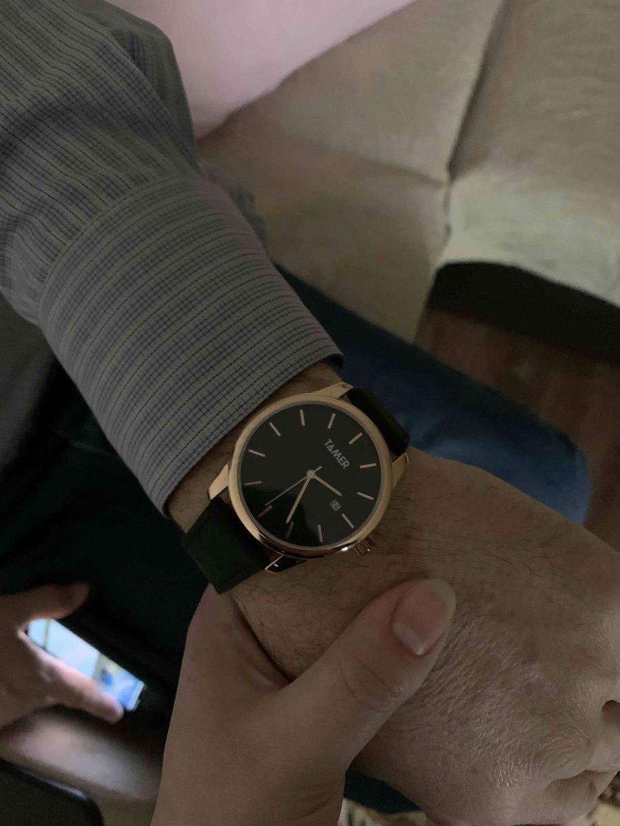 Часы круто смотрятся на руке