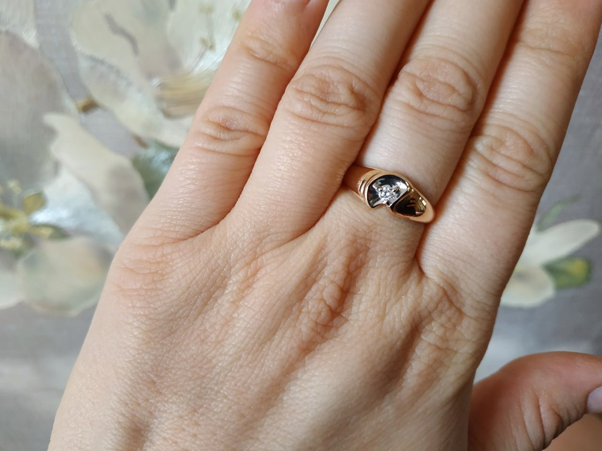 Стильное кольцо с оригинальным дизайном.