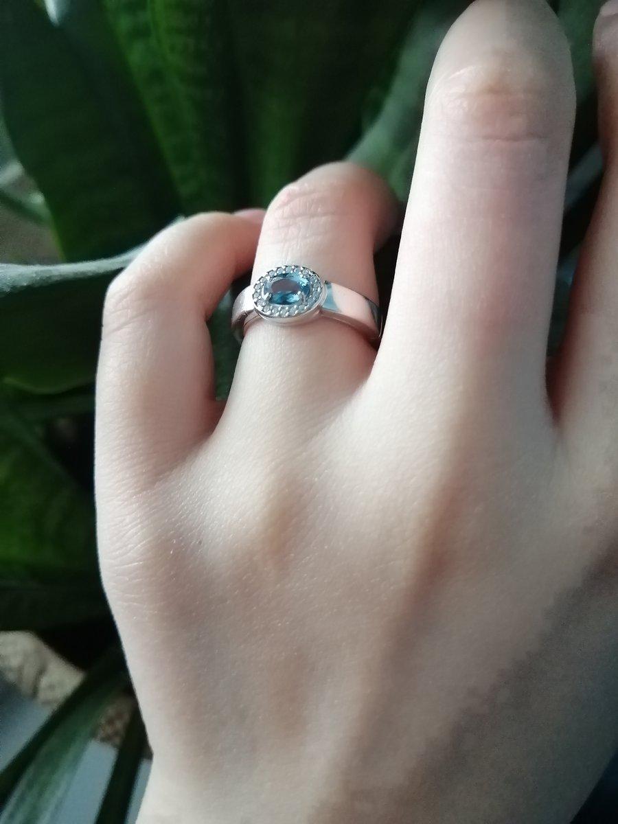 Когда увидела это кольцо, просто влюбилась.