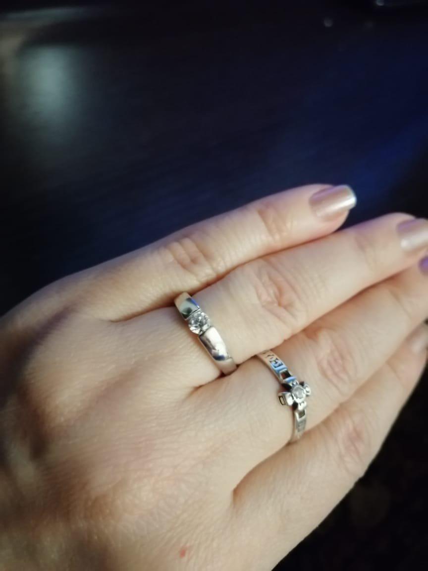 Кольцо из серебра  с фианитом.