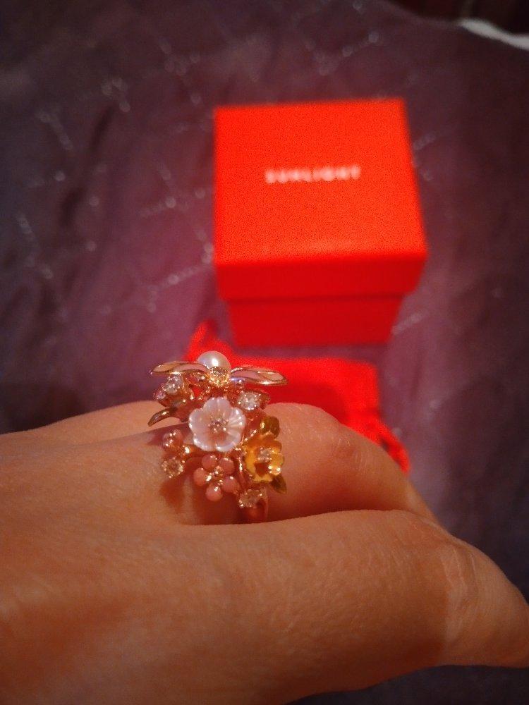 Кольцо с жемчужной бабочкой