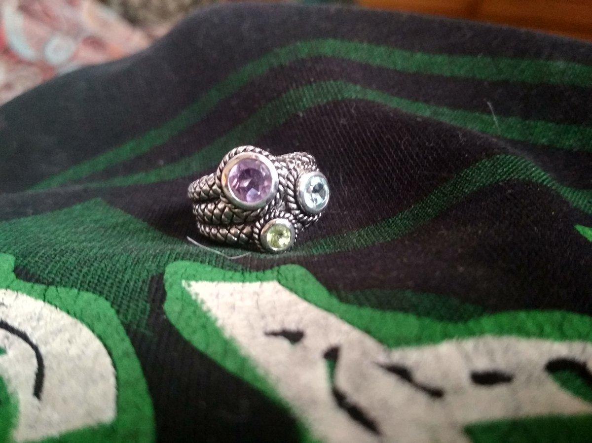 Кольцо выглядит круто