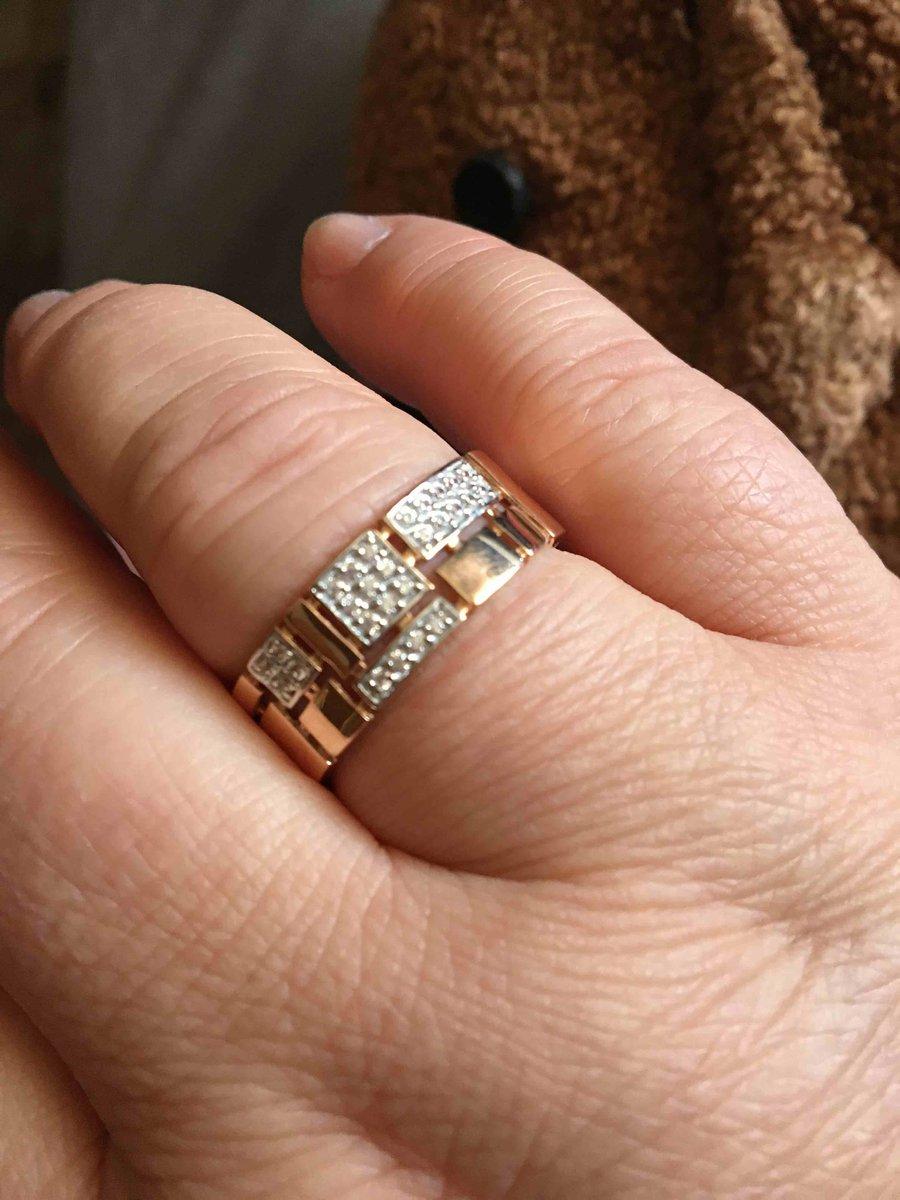 Кольцо , для шикарных людей! не дорогое, великолепное, броское ! супер!