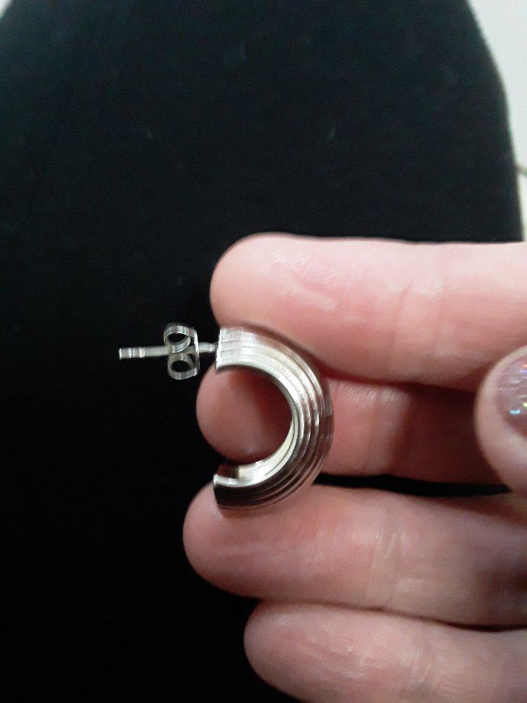 Серебряные  серьги  без  вставок