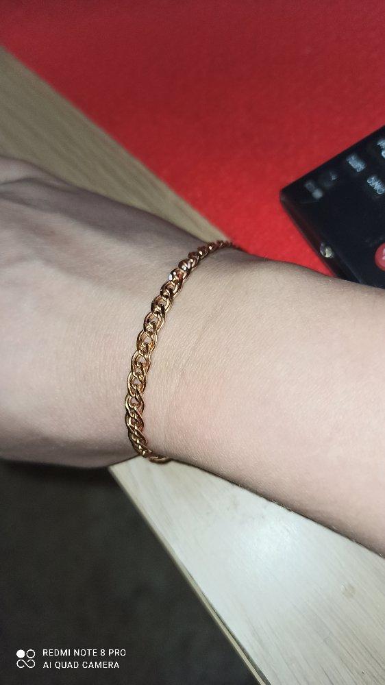 Красивый и прочный браслет..смотрится эффектно..