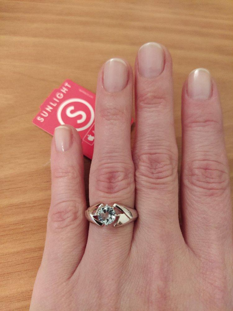 Милое кольцо с топазом.