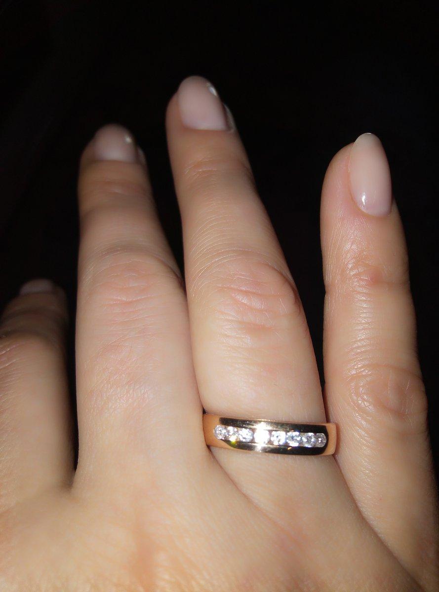 Это кольцо можно носить как обручальное