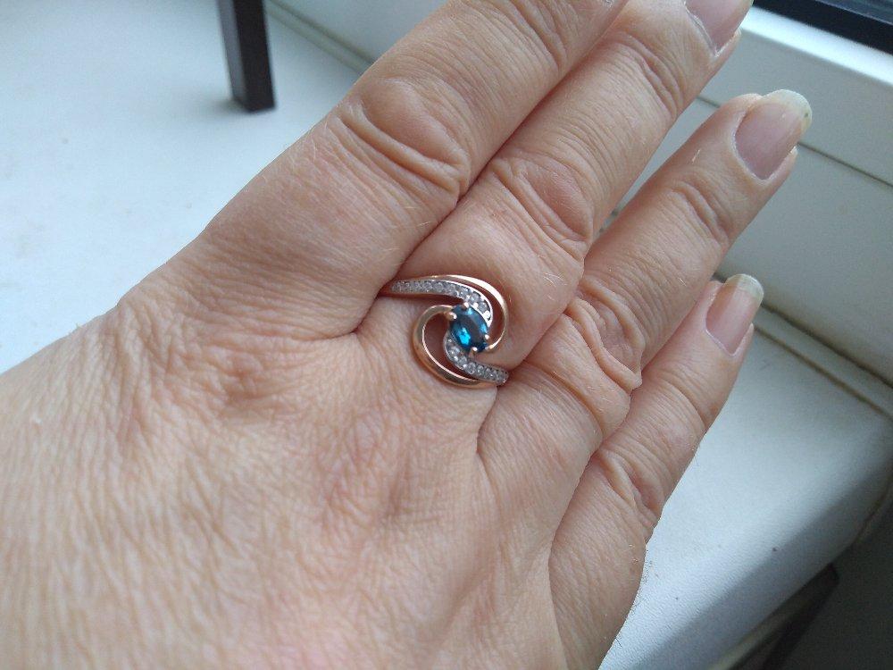Кольцо с топазом и фианитами