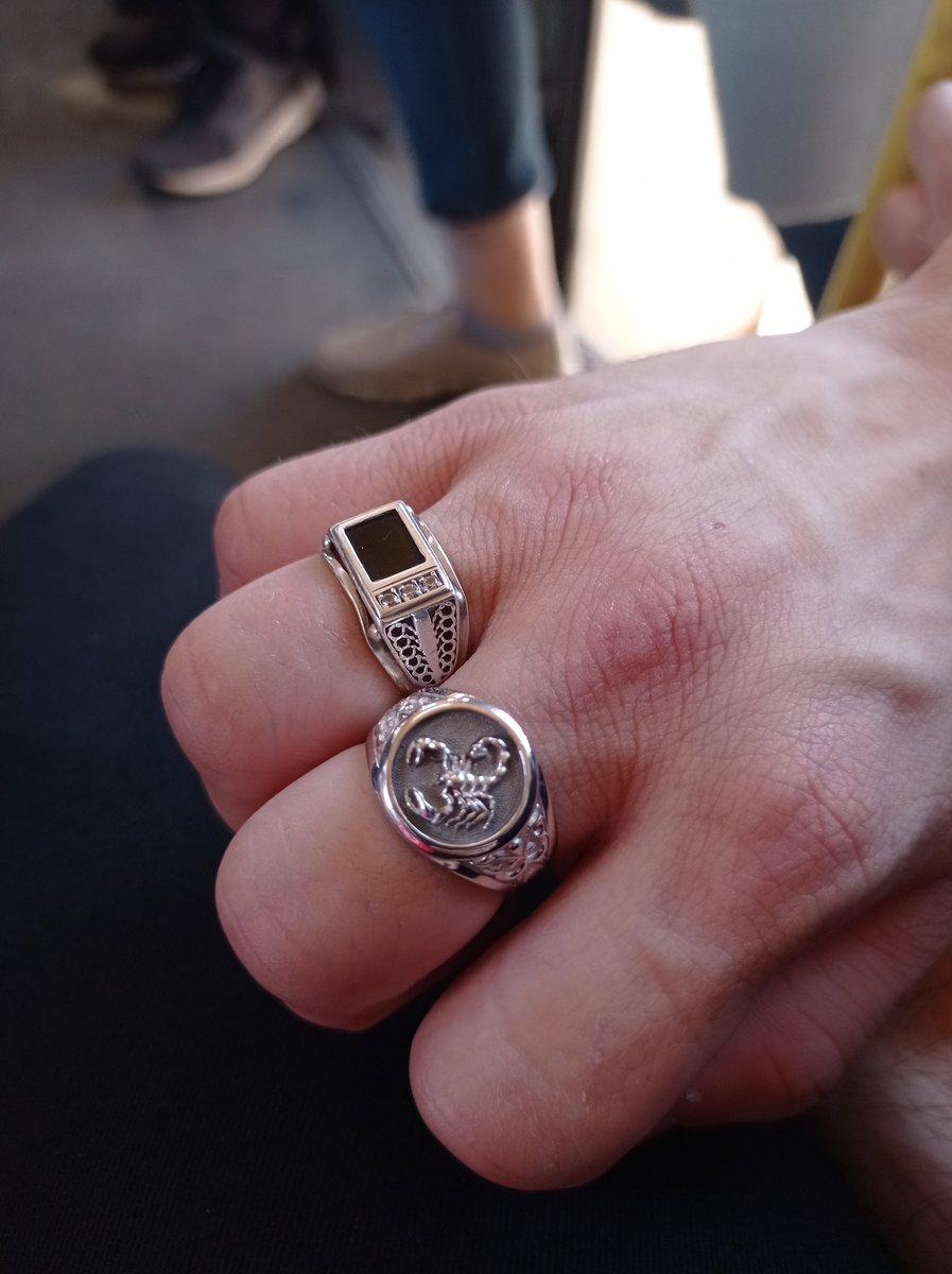 Перстень скорпион