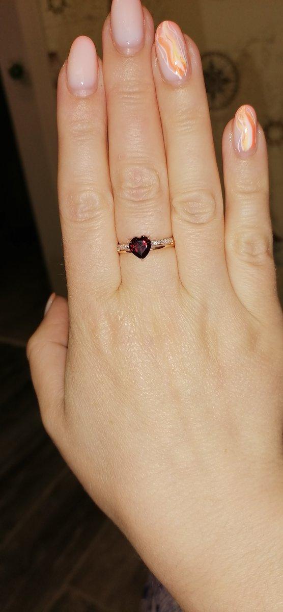 Безумно красивое кольцо.