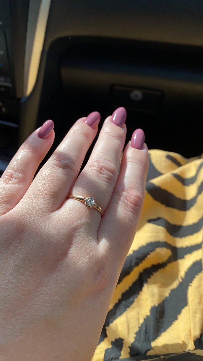 Кольцо с 1 бриллиантом