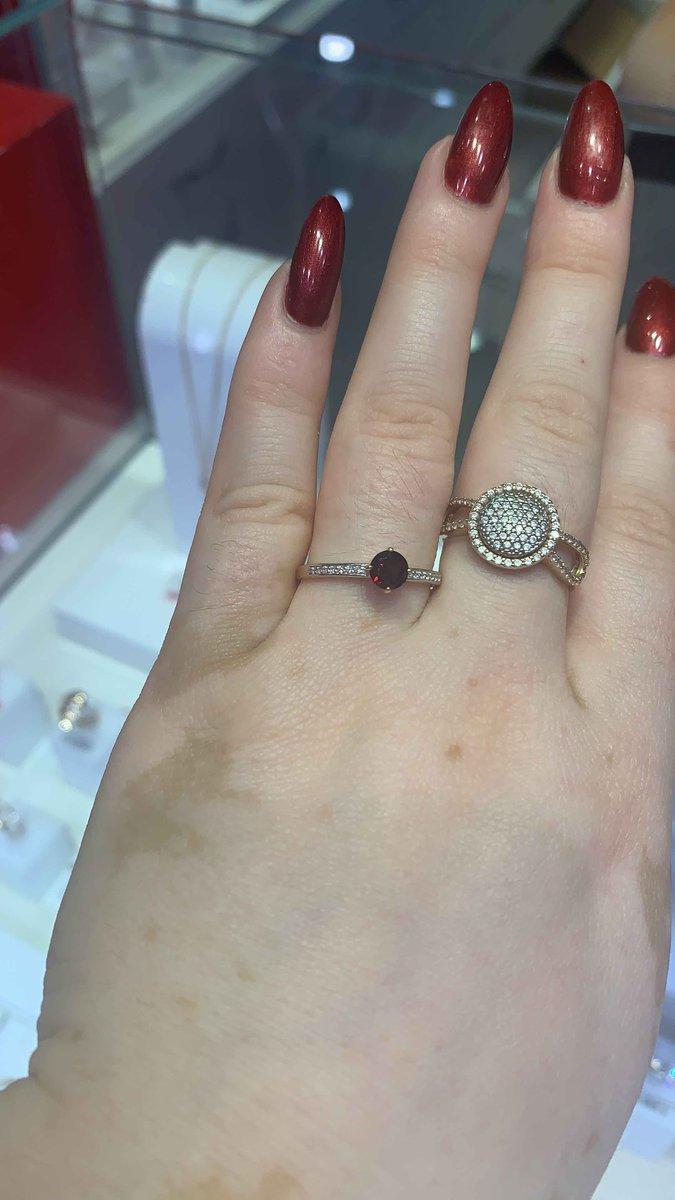 Кольцо очень красиво смотриться