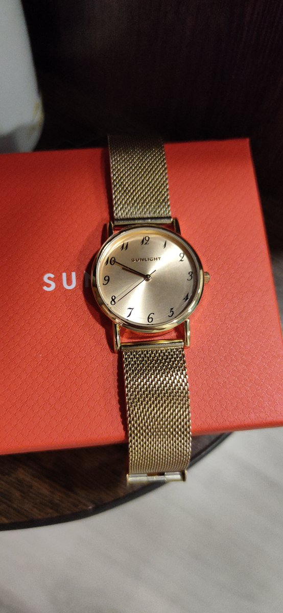 Часы супер, выглядят дорого!!!