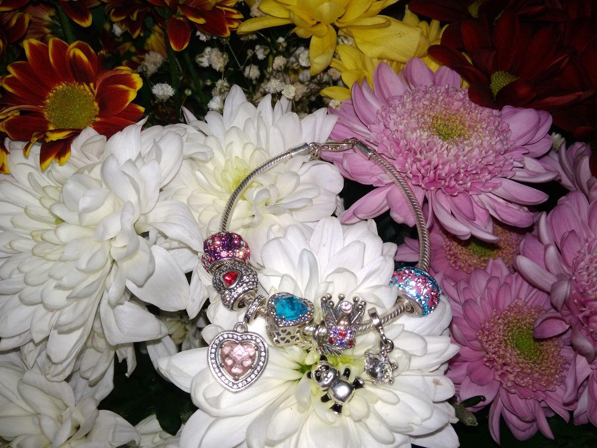 Розовый шарм с кристаллами