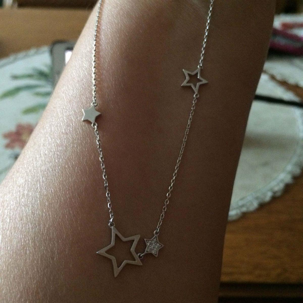 Колье со звездочками.