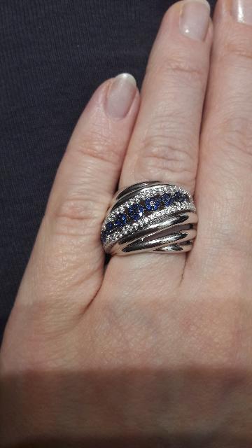 Перстень с синими камнями