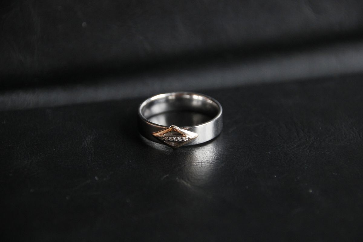 Приятное совмещение серебра с золотом