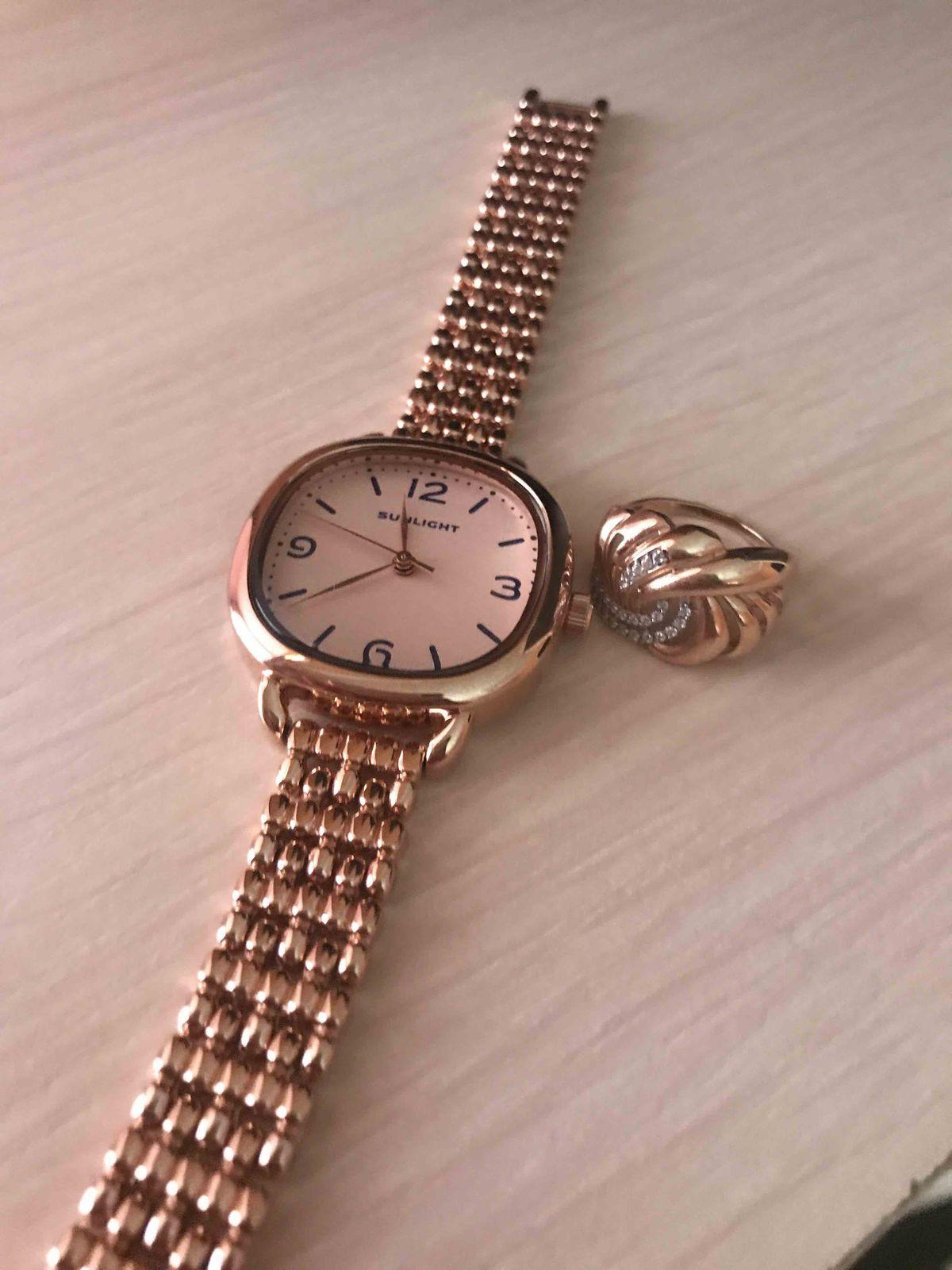 Классические женчкие часы ,на металлическом ремешке ,позалота. красивые😍😍