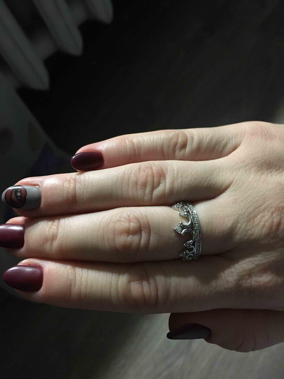 Серебрянле кольцо корона