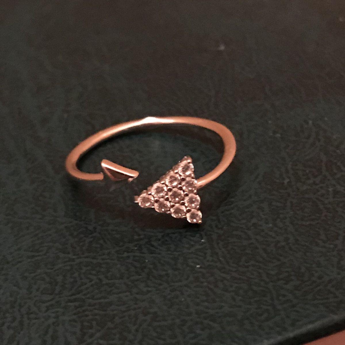Довольно милое кольцо на фалангу