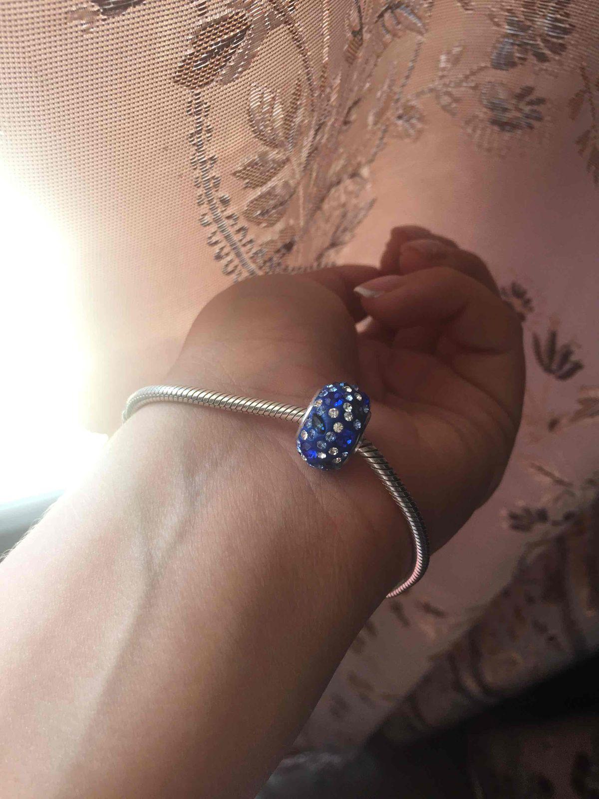 Серебряная подвеска с голубыми кристаллами