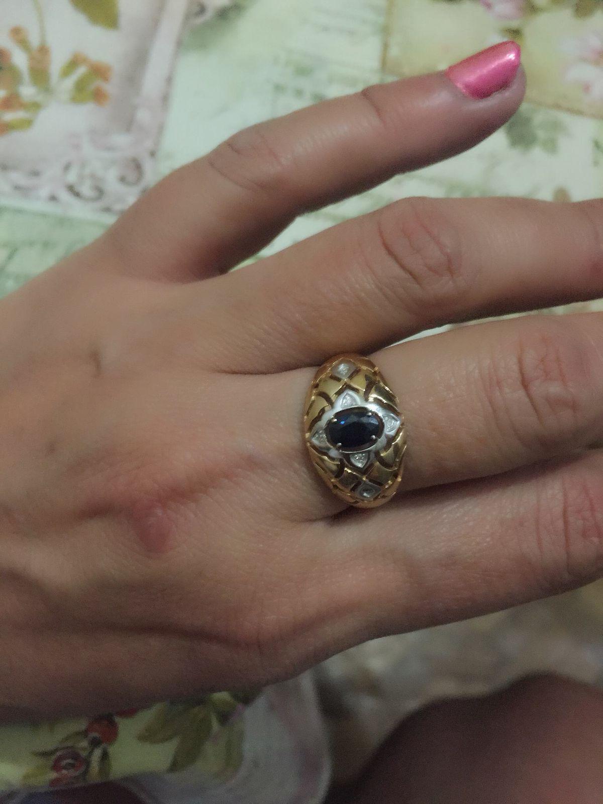 Шикарное кольцо с 6 брилиантами и сопфиром, заказала в интернет магазине!!!