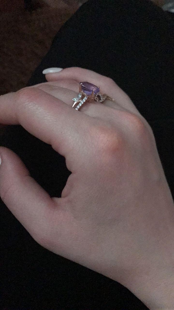 Кольцо из розового золота с 1 аметистом и феанитами