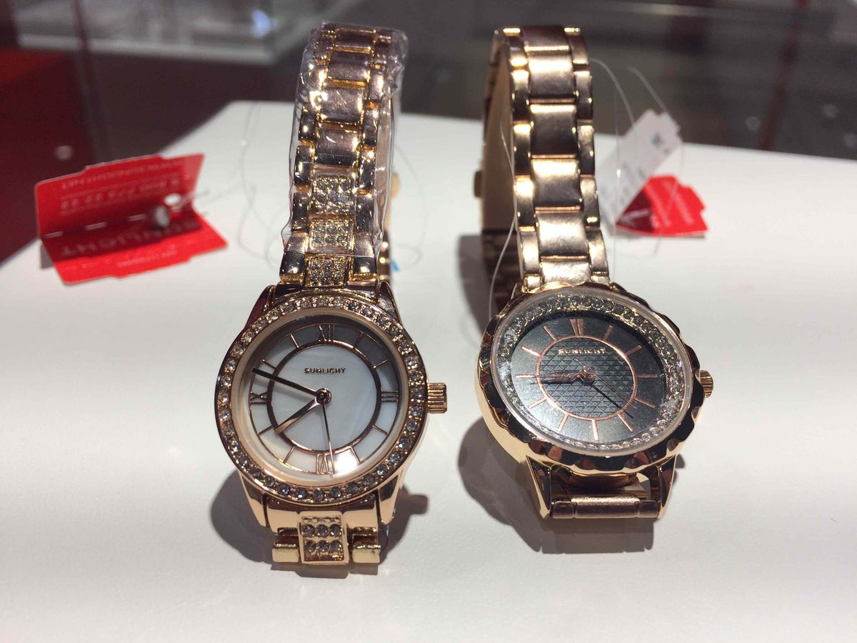 Вот эти часы для мамы! надеюсь она будет довольна)) а мне в радость!
