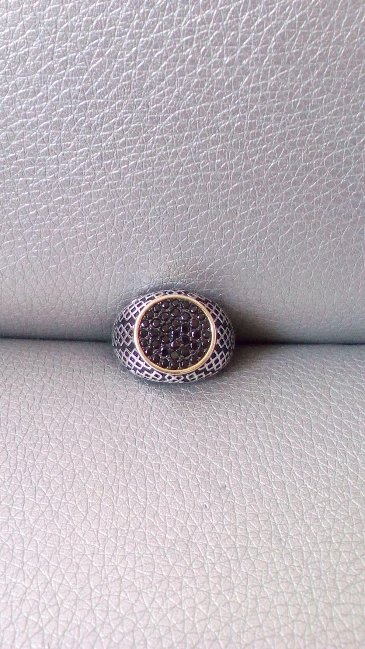 Стильный массивный перстень