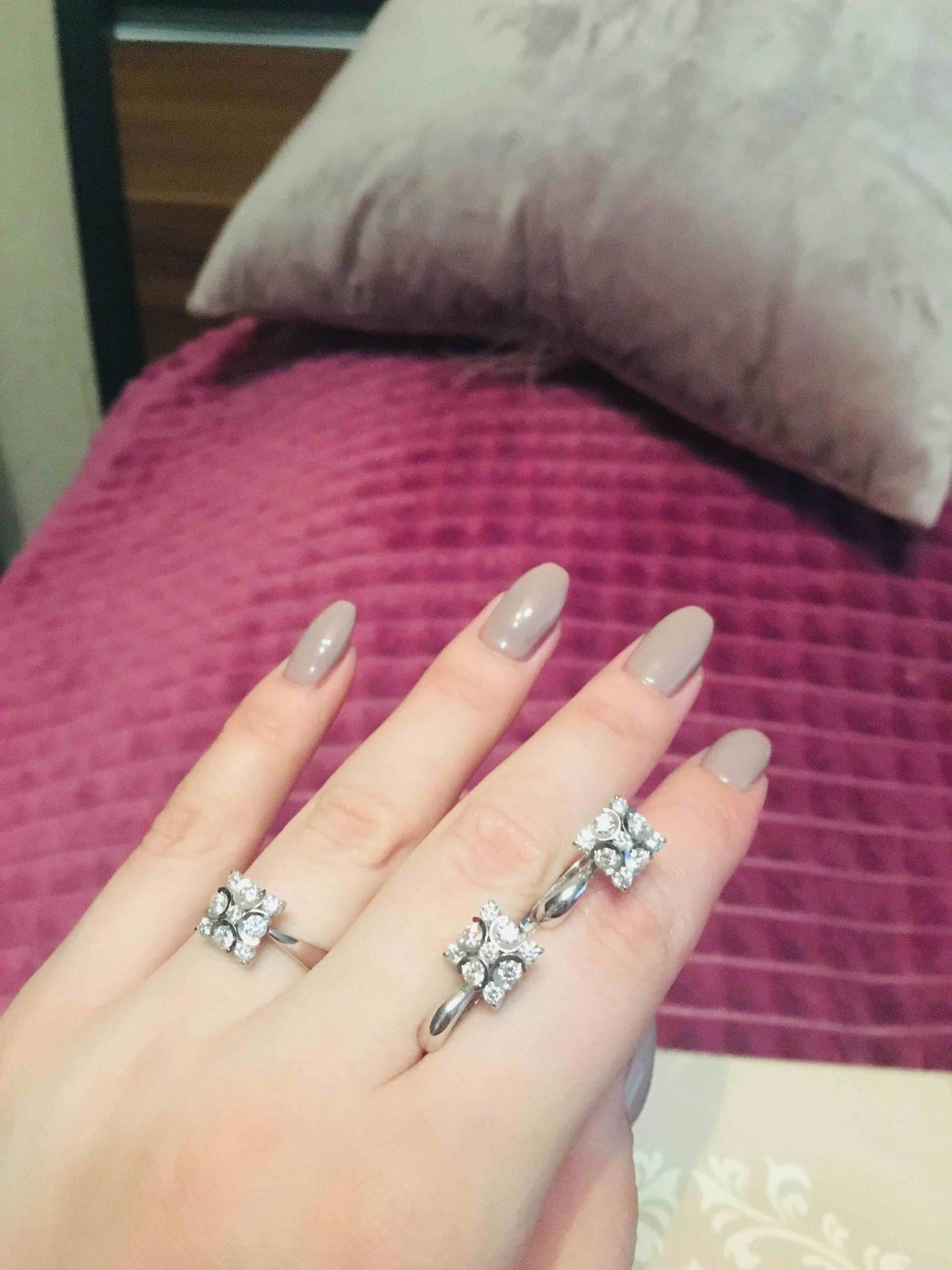 Серьги и кольцо с бриллиантами