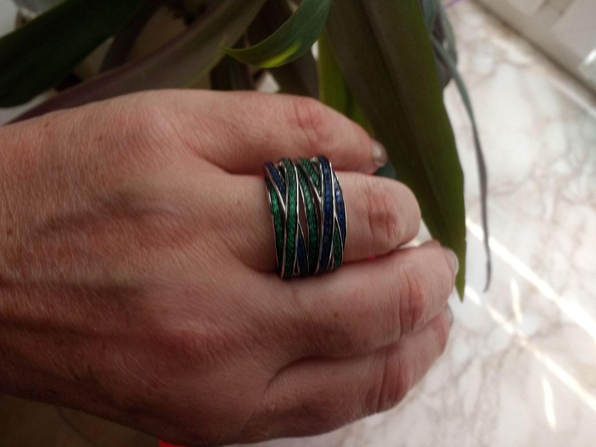 Волшебное кольцо с синими и зелёными фианитами по очень демократичной цене!