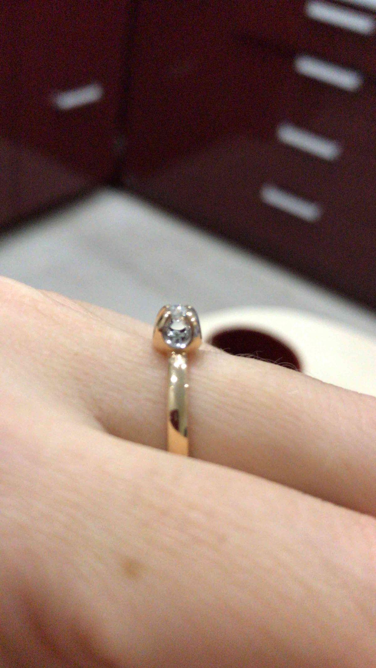 Кольцо очень красивое, своих денег стоит на все 100!