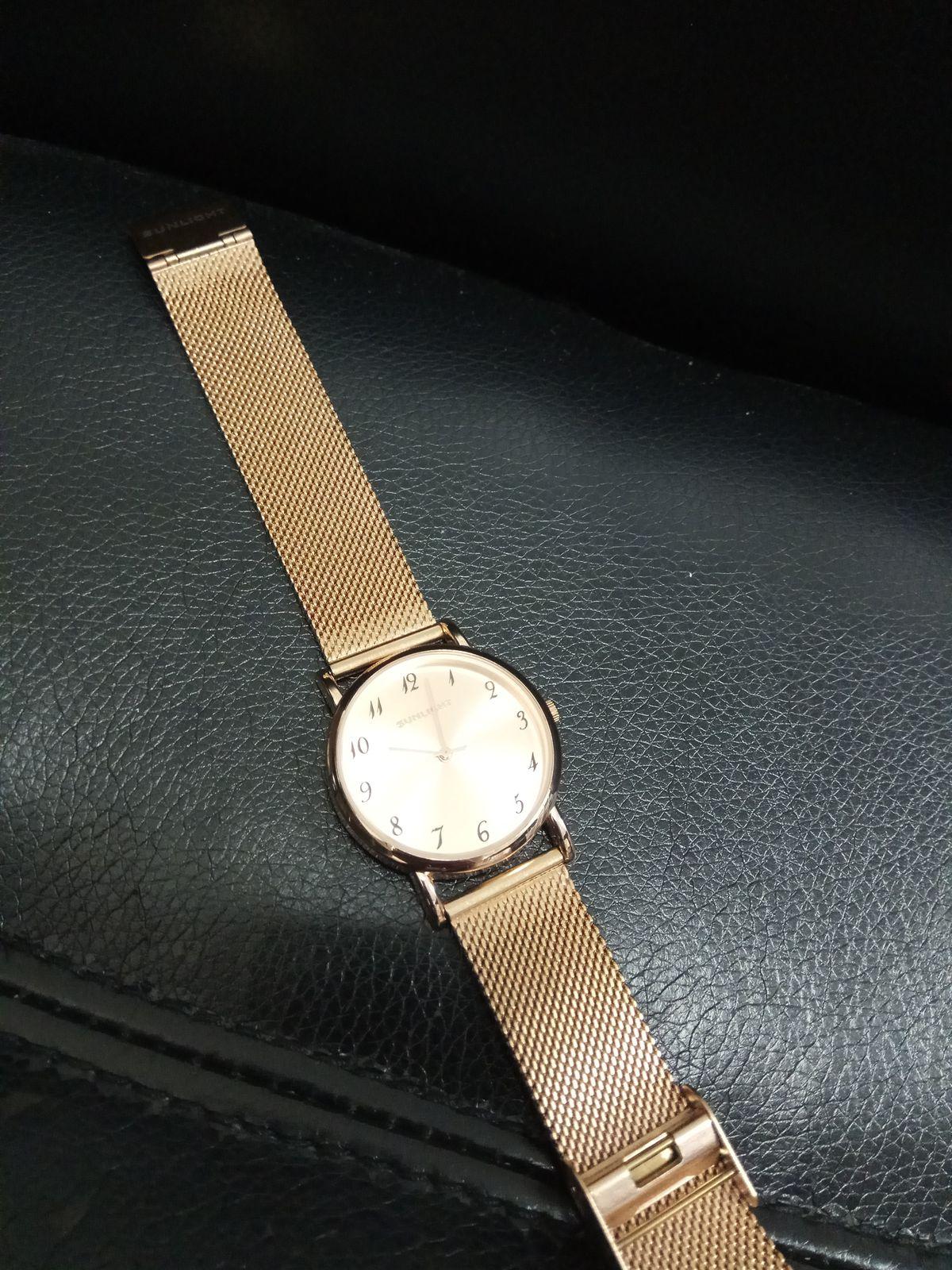Часы на миланском браслетом