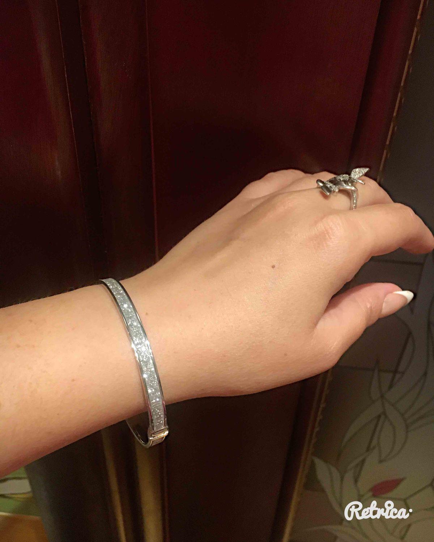 Красивый браслет.