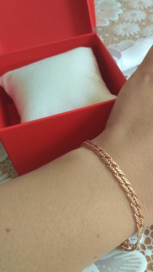 Покупала браслет , очень красивый, ношу с удовольствием каждый день)