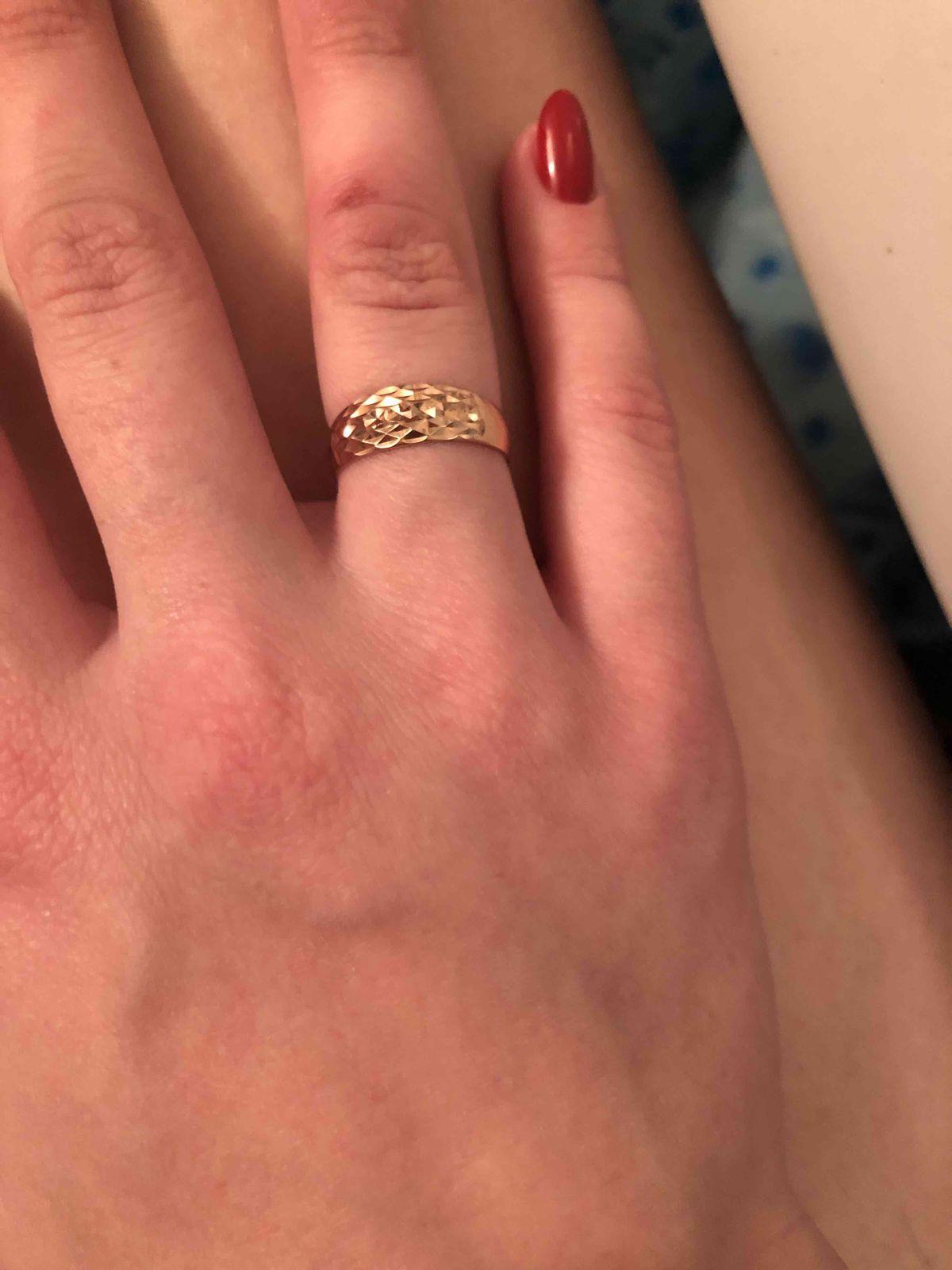 Самое красивое кольцо на свете , очень  аккуратное и элегантное ❤️❤️❤️❤️ ❤️