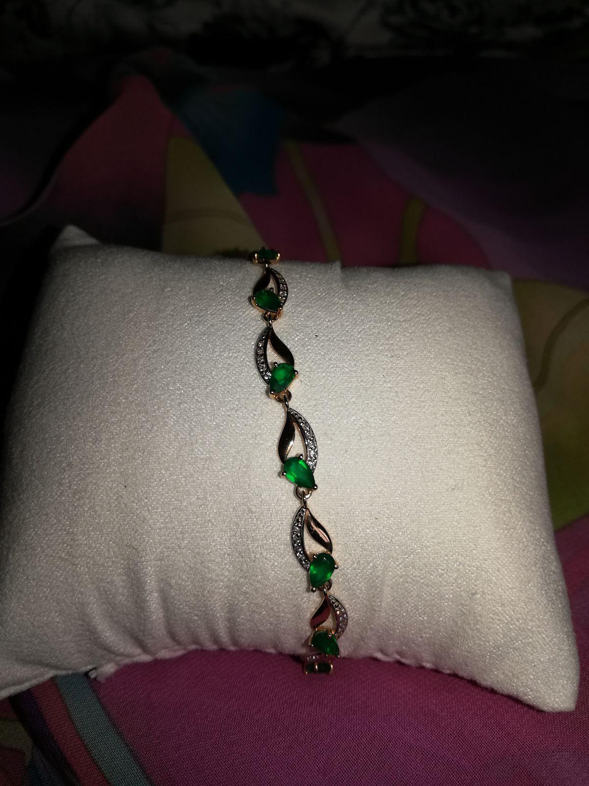 Очень оригинальный браслет!