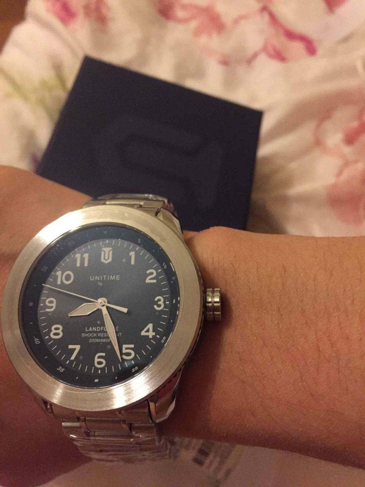 Часы очень хорошие и хорошее качество и хорошо смотрятся на руке, стильно😎
