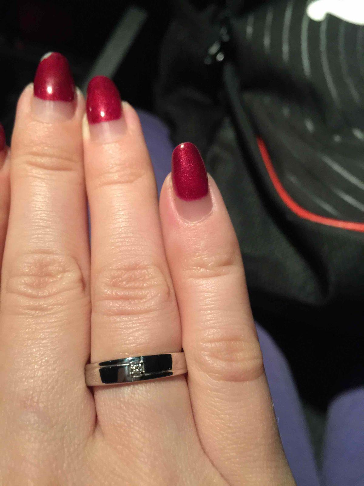 Взяли как обручальные кольца.