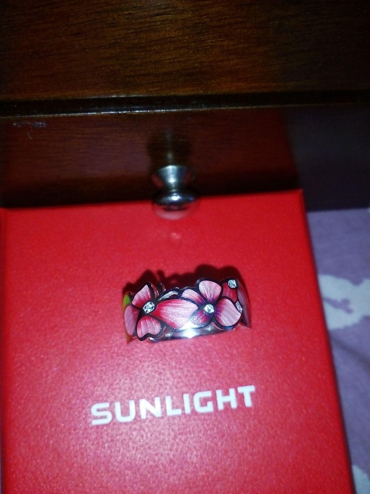 Красивое,оригинальное кольцо
