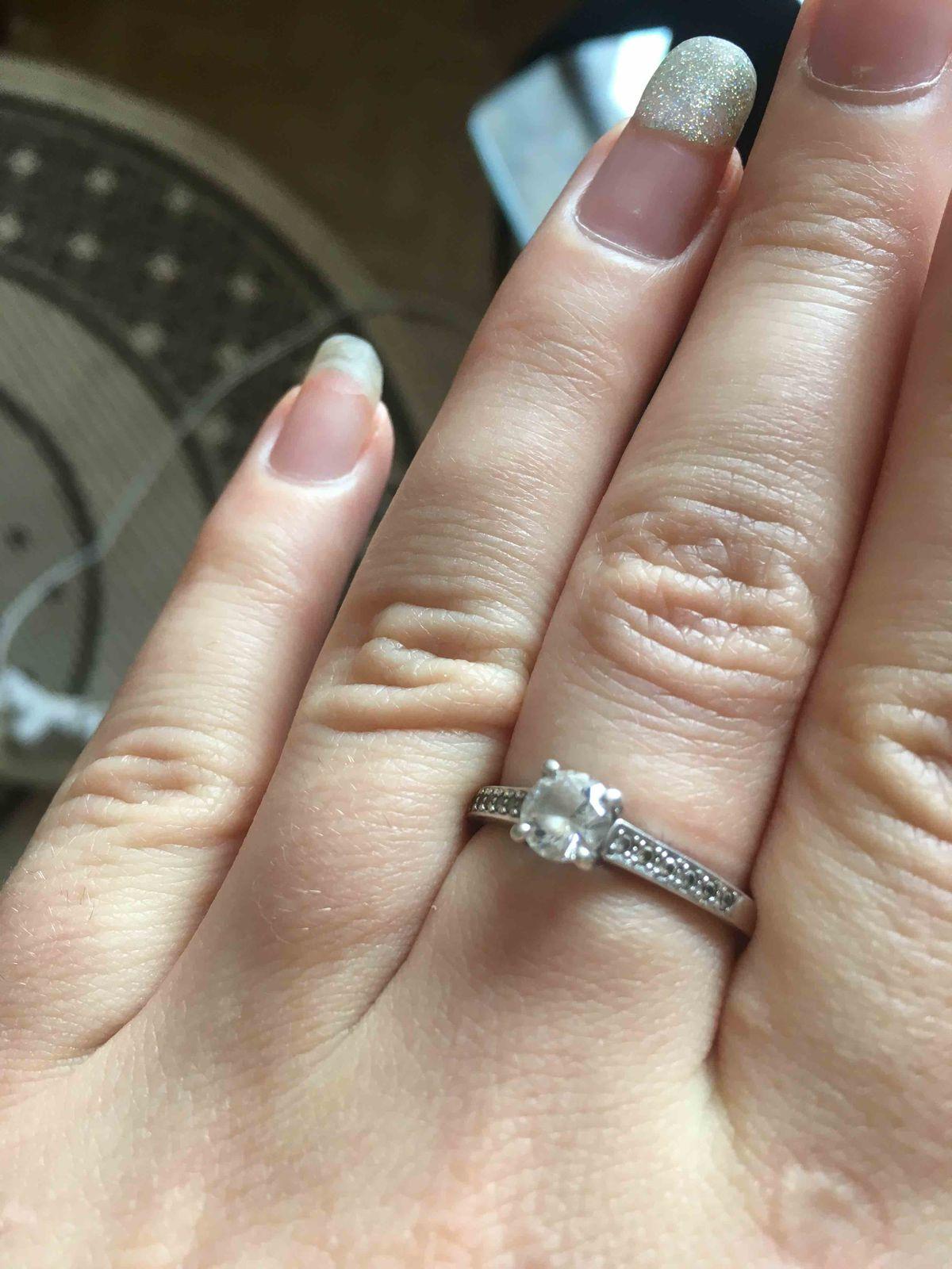 Серебряннон кольцо