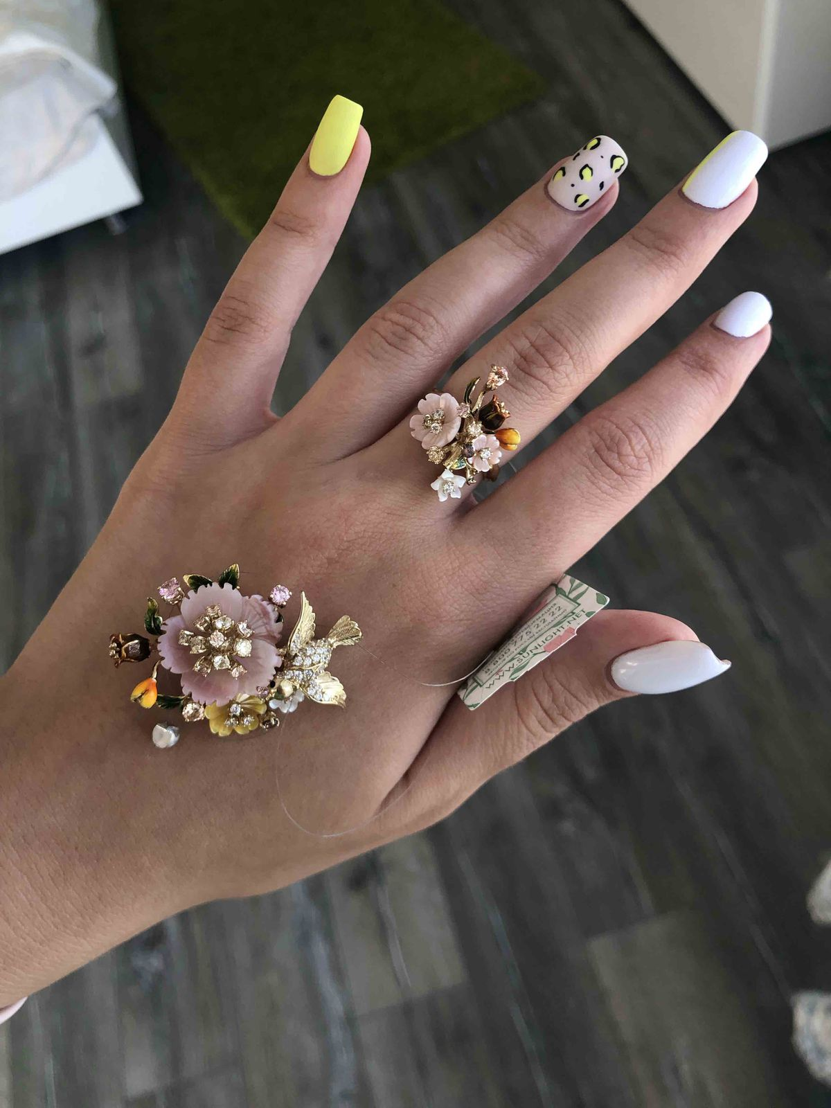 Объемное кольцо с цветами