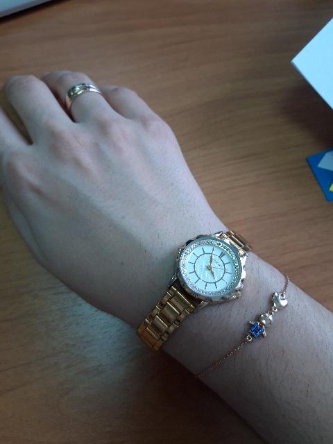 Очень нежный красивый браслет