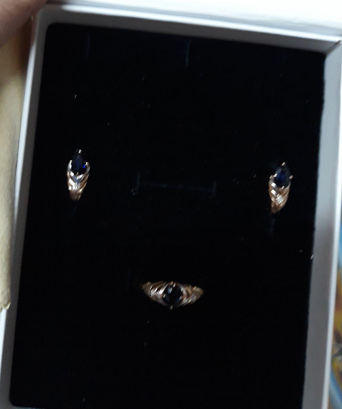 Комплект с бриллиантами и натуральными сапфирами!