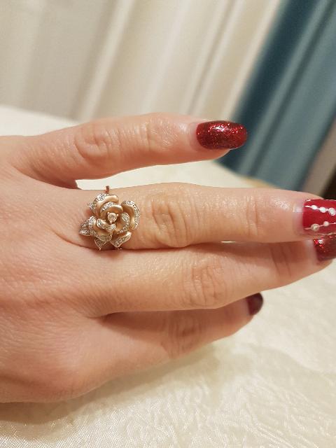 Золотое колечко  роза с бриллиантами