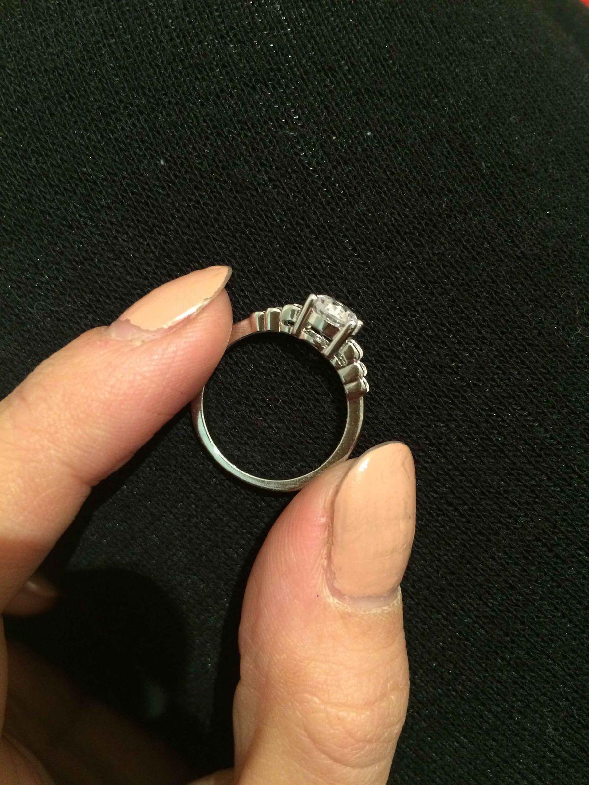 Преобрела кольцо с фианитом