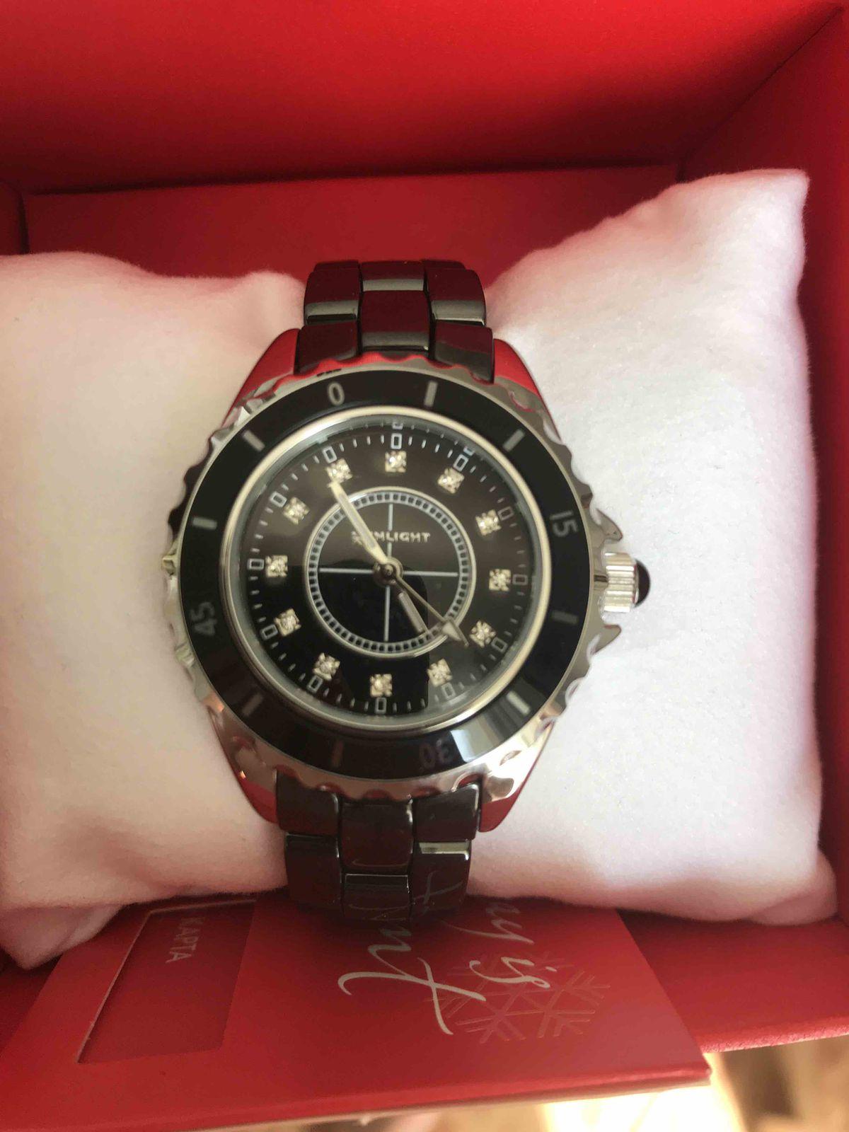 Часы для девушки отличный сюрприз